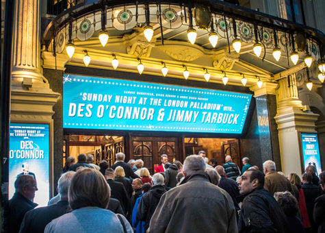 Fans line up for Des O'Connor at The London Palladium